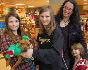 Oregon Humane Society Celebrates 11,000 Adoptions in 2011