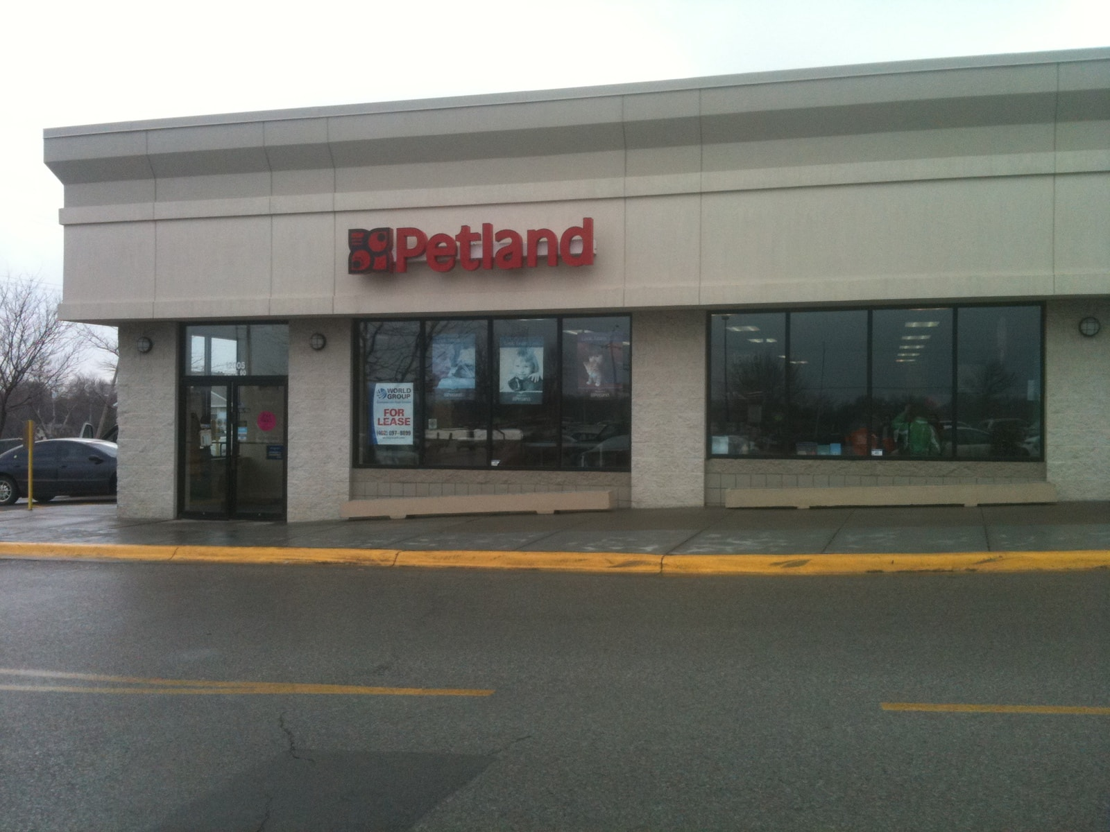 Petland in Omaha is Closing