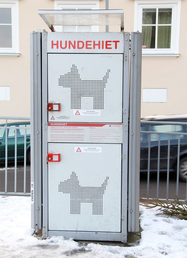The Hundehiet: A Storage Locker for Dogs
