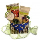 Giveaway: Green Pet Gifts Basket