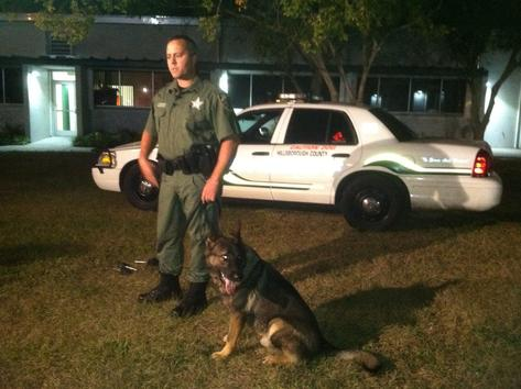 Deputy Deuce hunts down suspects in Florida swamp