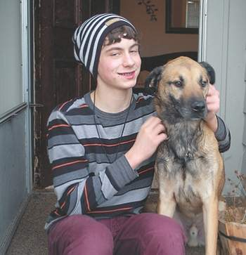 Teenager organizes benefit concert to raise funds for his ailing dog
