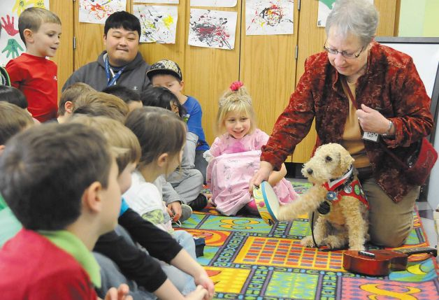 Therapy Dog Inducted Into 2013 Oregon Animal Hall of Fame
