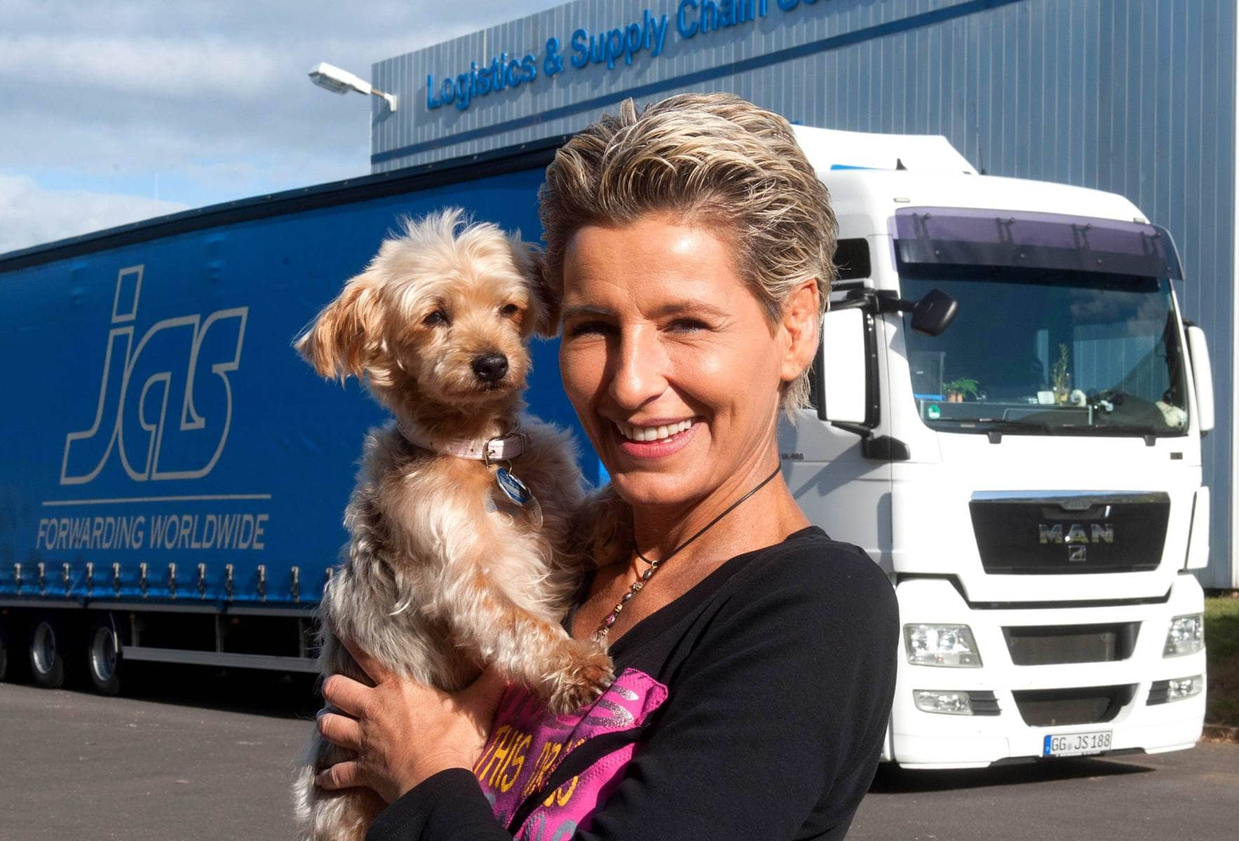 Truck driver drives 2,000 miles to help animals in Romania