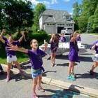 Kids' Lemonade Stand Raises Hundreds for Injured Shelter Dog