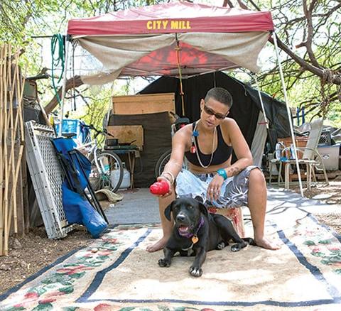 K9 Kokua Program Helps Homeless Hawaiian Dog Owners Life