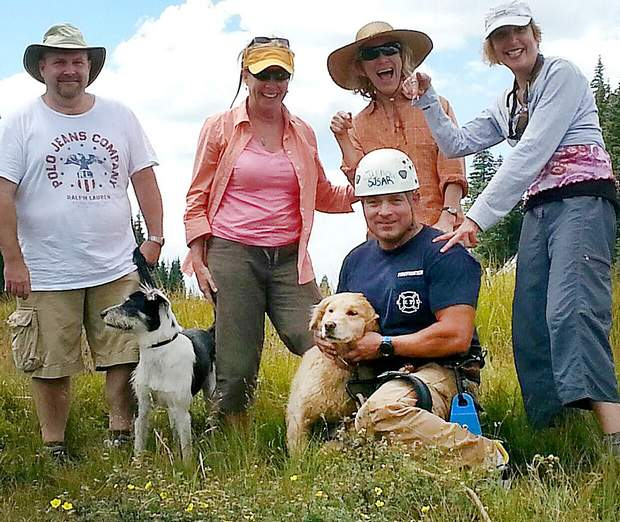 Hikers Help Rescue Own Dog after Pet Fell in Crevice