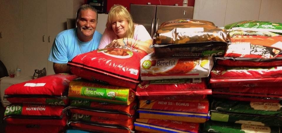 Christmas Fundraiser Gathers Thousands of Pounds of Dog Food