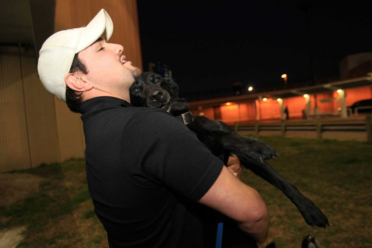 Marine Reunited with His Bomb Dog