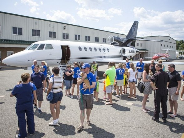 8.11.14 - Twenty Dogs Rescued from High Kill Shelters Arrive at Airport in New Jersey