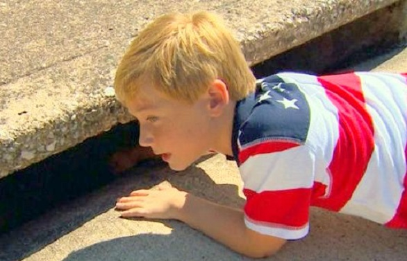 Texas Boy Faces Biggest Fear to Rescue Neighbor's Dog