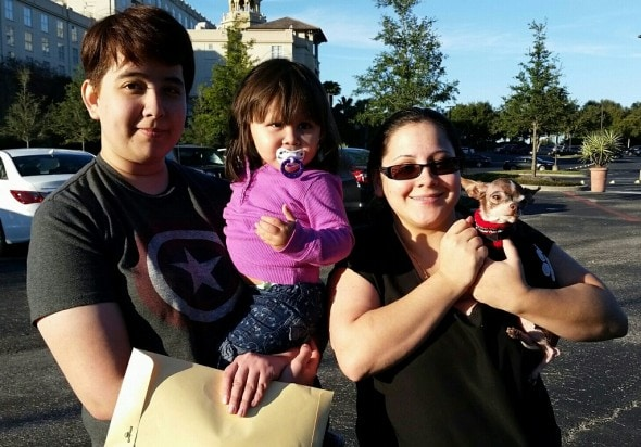 Mabel Cruz and her family reunite with Simba.