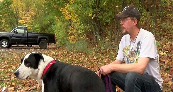 11.5.15 - Homeless Man's Pleas to Help His Dog Are Answered3