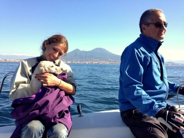 11.5.15 - Italian Sailors Save Puppy Stranded in the Gulf of Naples5