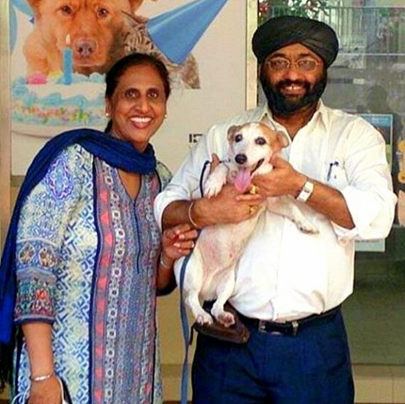 12.10.15 - Dog Missing for NINE Years Finally Reunited with Family1