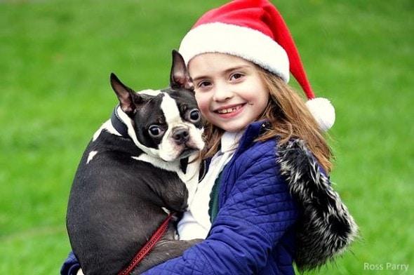 """12.9.15 - """"Santa"""" Brings Home Little Girl's Missing Dog1"""