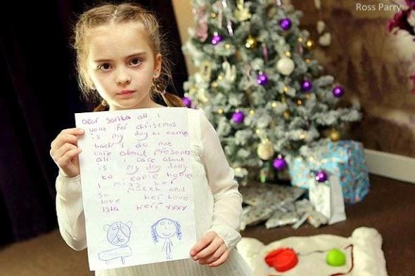 """12.9.15 - """"Santa"""" Brings Home Little Girl's Missing Dog2"""