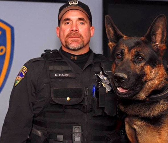 1.21.16 - Over One Hundred K-9s Walk in Funeral Procession for Jethro2