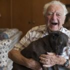 Senior pup Layla transformed the life of this 104-year-old man
